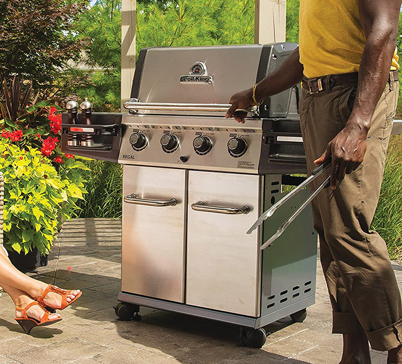 Broil King Regal S420 Pro 4 Burner Natural Gas Grill Outdoor